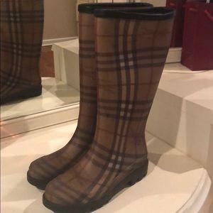 Like new Burberry rain boots
